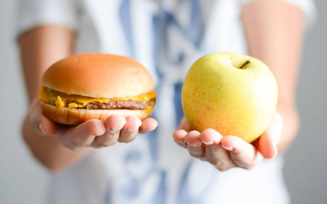 choose between junk food versus healthy diet